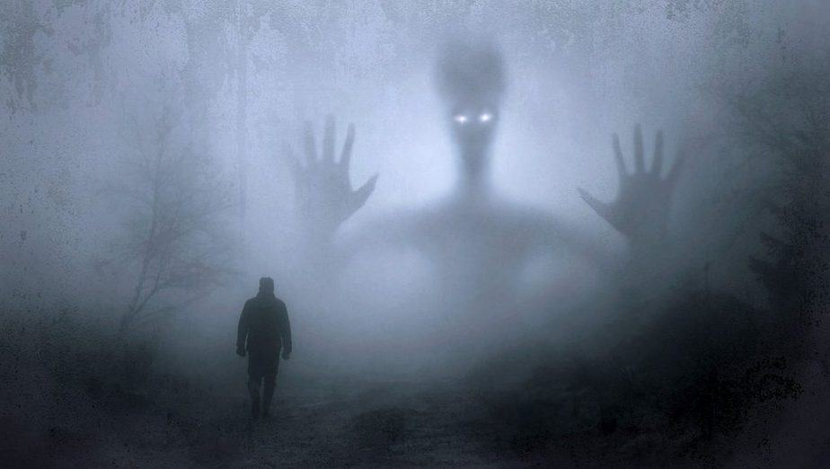 33 Sleep Paralysis Facts: All you need to know - Lucid Dream Society