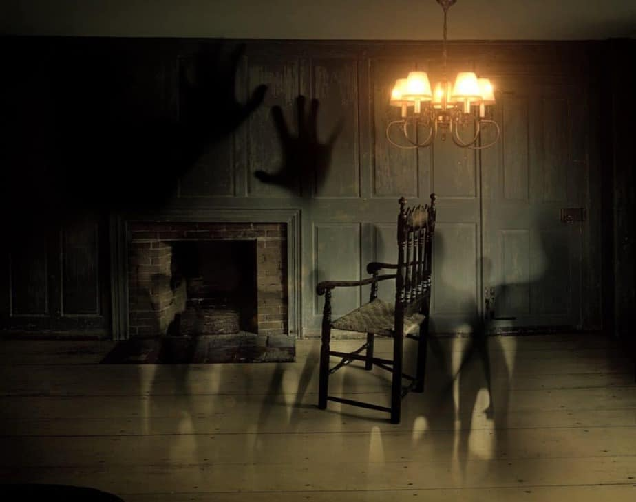 32 PEOPLE SHARED THEIR INSANELY SCARY SLEEP PARALYSIS STORIES - Lucid Dream Society